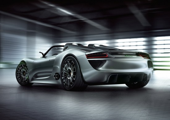 100210 550x388 Video: Whats Makes Porsche 918 Spyder the Best Hybrid