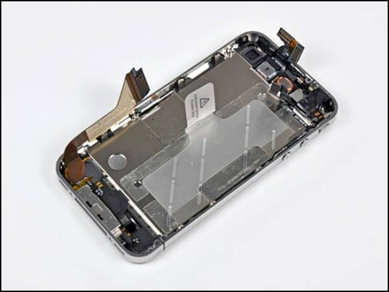 iphone4 12 550x413 How to Disassemble an iPhone 4