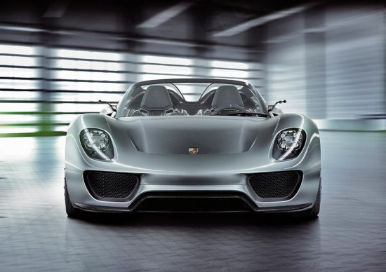 porsche 918 spyer pr large04 550x388 Video: Whats Makes Porsche 918 Spyder the Best Hybrid