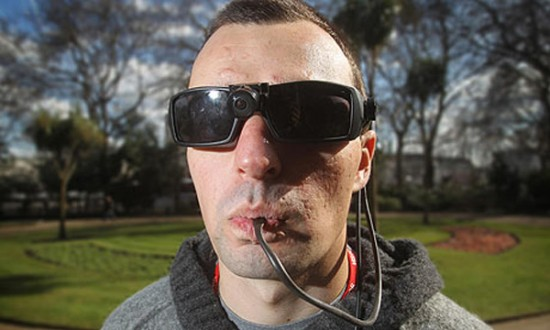 soldier blind sees with tongue 550x330 Blind Soldier Learns to 'See' with his Tongue