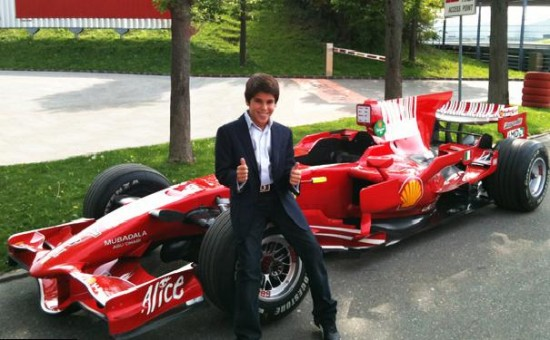 PS120 550x340 Ferrari F1 Signs 11 Year Old Boy