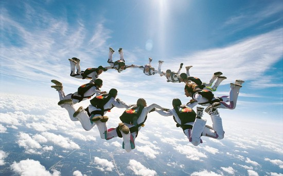 skydiving extreme sports 11 14 550x343 Cutting Edge of Extreme Sports Photography