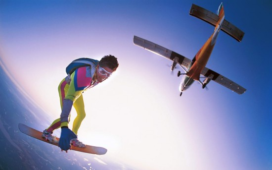 skydiving extreme sports 11 2 550x343 Cutting Edge of Extreme Sports Photography
