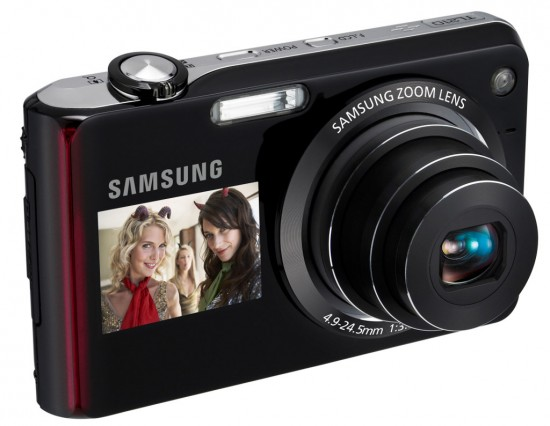samsung dual view 550x426 Top 10 Digital Cameras