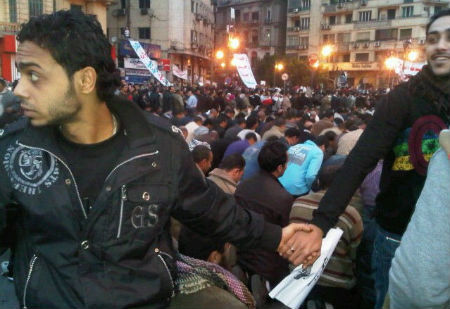 egyptian revolution Christians and Muslims Unite in Egyptian Revolution