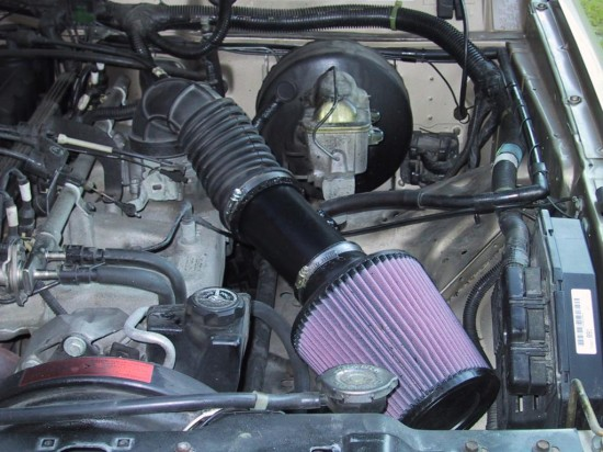 air filter 550x412 Top 10 Things to Know About Car Maintenance