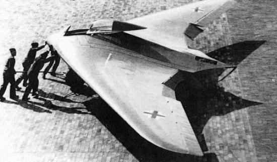 horton ho 229 Top 10 Weirdest Planes