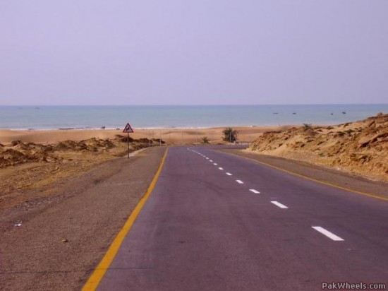 Grand Trunk Road1 550x412 Top Ten Freakiest Highways