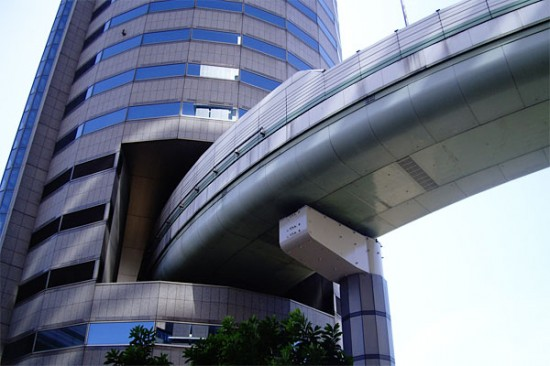 Hanshin Expressway Gate Tower Building 550x366 Top Ten Freakiest Highways