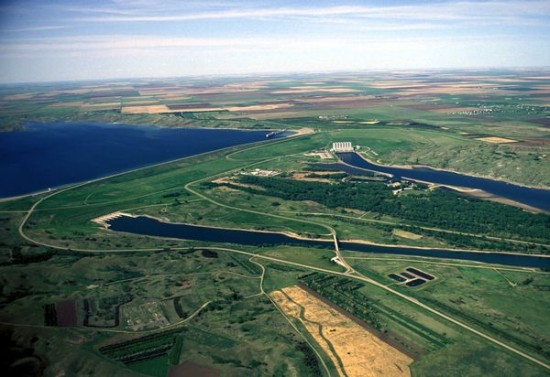 Oahe Dam 550x377 Top 10 Worlds Largest Dams