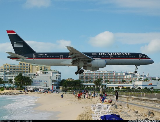 Princess Juliana International Airport 550x418 Top 10 Dangerous Airports