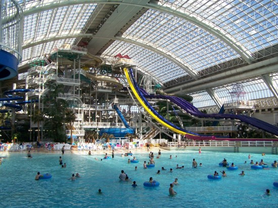 World's Largest Indoor Swimming Pool 2 550x412 Top 10 Largest Things