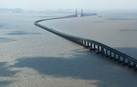 World's Longest Cross Sea Bridge Donghai Bridge 550x350 Top 10 Largest Things