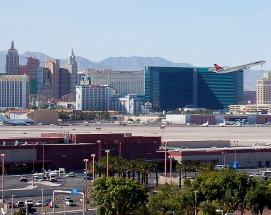 Las Vegas LAS 550x436 Top 10 Busiest Airports