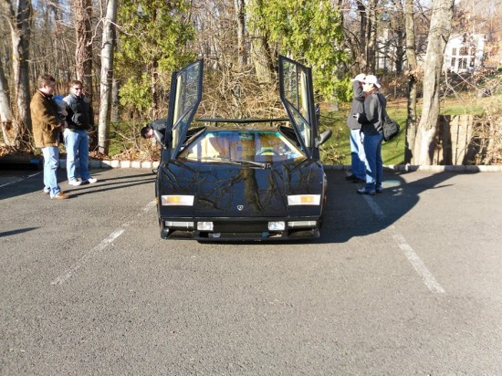 when we heard this rumbling up we ran over a lamborghini countach is a mega rare sight 550x412 A Weekend Super Cars Party