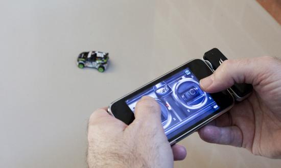 RC iNitro Speeder Turned To Be Apple Toy