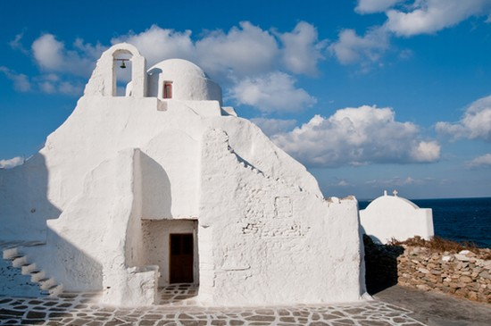 27361 mikonos the church of panagia paraportiani 10 Unusual Churches of World