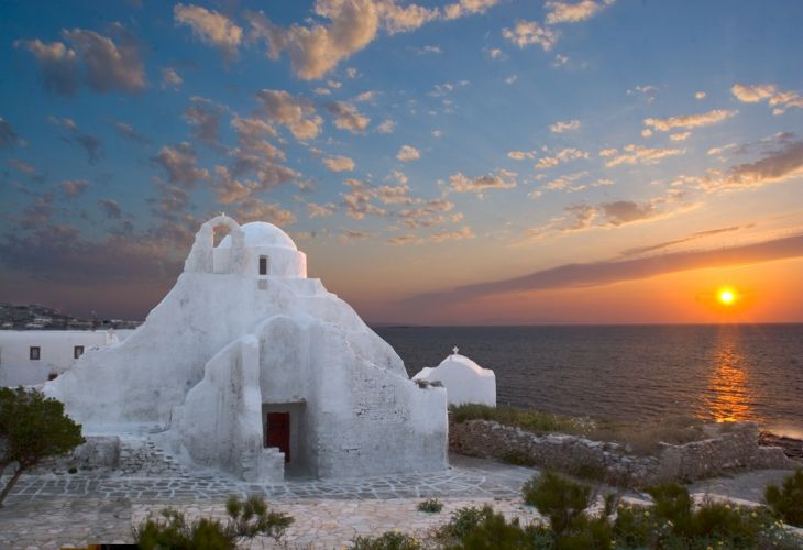 654 1Church of Panagia Paraportiani  Mykonos 10 Unusual Churches of World