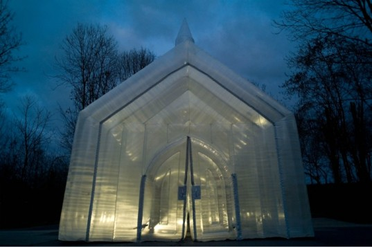 Transparent Pop Up Church 13 537x357 10 Unusual Churches of World