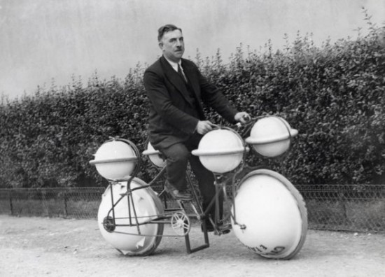 00021740 550x396 Top 25 Crazy Old Inventions
