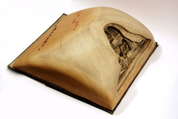 00012050 Book Sculptures That Will Amaze You