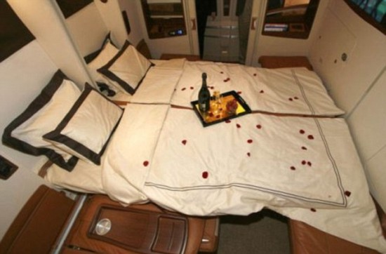 A380 cabins2 550x362 Singapore Airline To Offer Private Luxury Suites with Double Beds and Armchairs