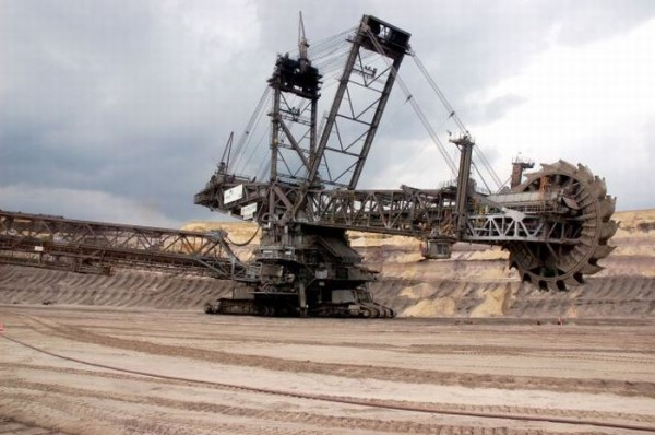 Bagger 288 600x398 Worlds Most Colossal Construction Machinery