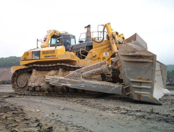D575A 3SD 600x453 Worlds Most Colossal Construction Machinery
