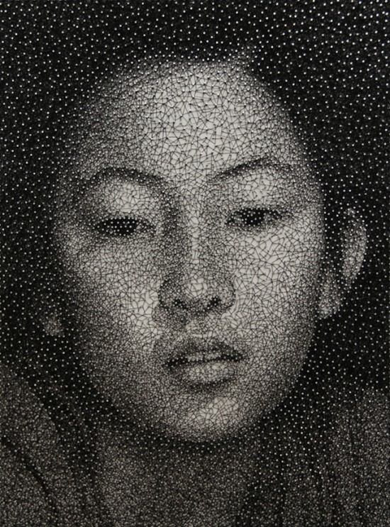 Kumi Yamashita thread 550x743 Single Sewing Thread Wrapped Around Nails To Make Unbelievable Portraits