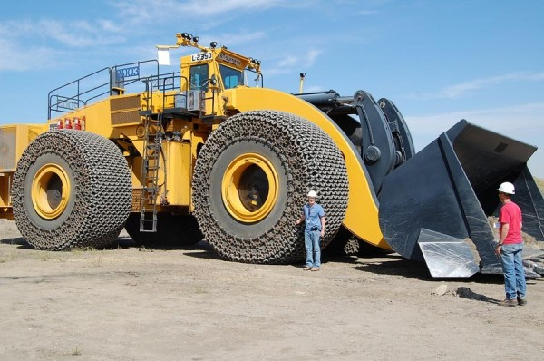 LeTourneau L 2350 600x398 Worlds Most Colossal Construction Machinery