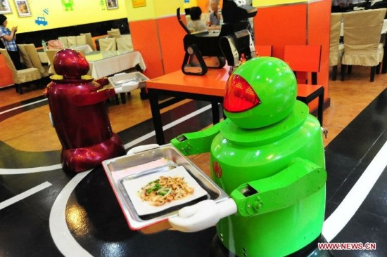 robot restaurant3 550x366 Robot Operated Restaurant Now Open In China!