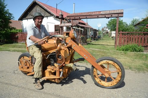 wooden chopper5 Man Builds His Dream Chopper Out Of Wood