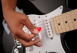 e91b_diy_guitar_pick_punch_play