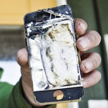 iPhone started smoking badly caught on camera 222x222 iPhone Caught Fire in Guys Pocket Caught on Camera