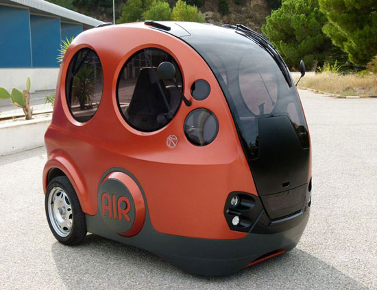 Airpod air powered car 02 thumb 550xauto 98792 The Tiny Car That Runs On Air!