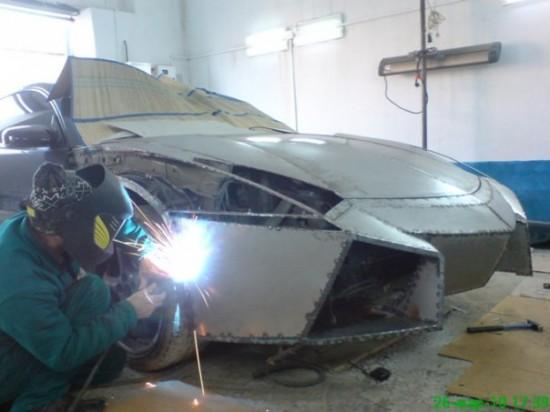 Ukrainian Lamborghini Reventon4 550x412 Ukrainian Lambo Fan Turns His Mitsubishi Eclipse Into Lamborghini Reventon