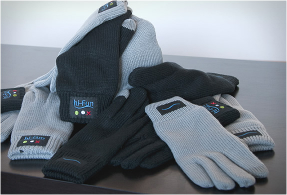 hi call bluetooth talking glove 2 The Call Me Gesture Is Now A Reality