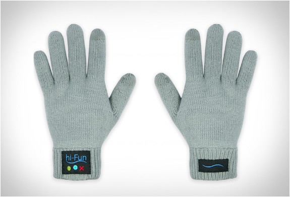 hi call bluetooth talking glove 4 The Call Me Gesture Is Now A Reality