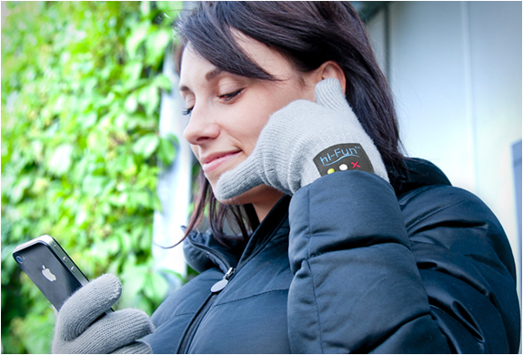 hi call bluetooth talking glove The Call Me Gesture Is Now A Reality