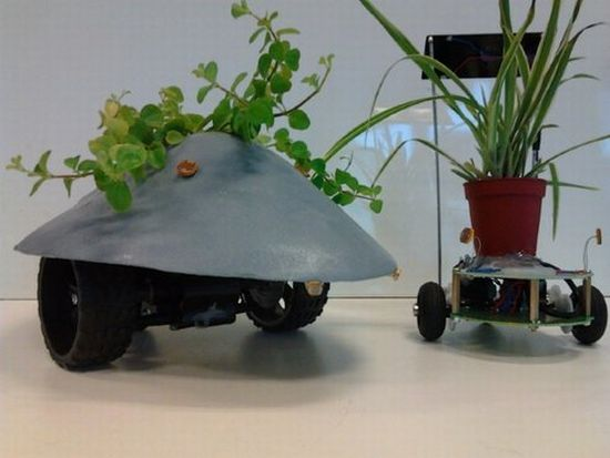 robotplantmover3 Robotic Cart Never Let Your House Plants Die!