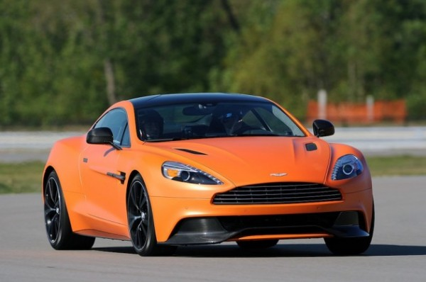 2014-Aston-Martin-Vanquish-1