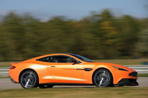 2014-Aston-Martin-Vanquish-2