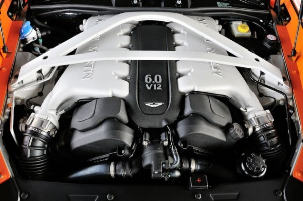 2014-Aston-Martin-Vanquish-6