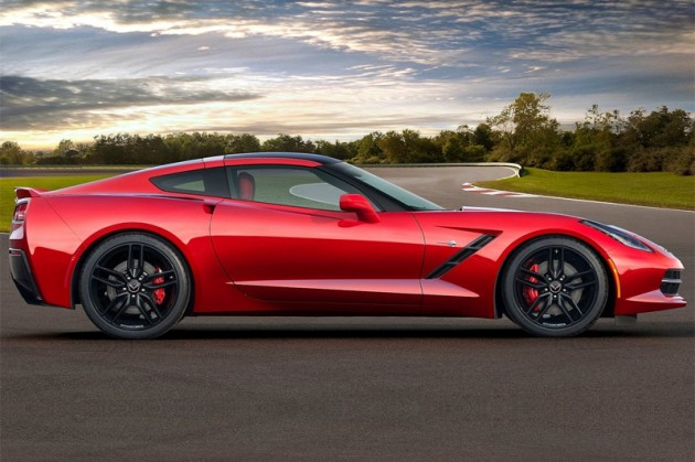 2014-Chevrolet-Corvette-Stingray-2