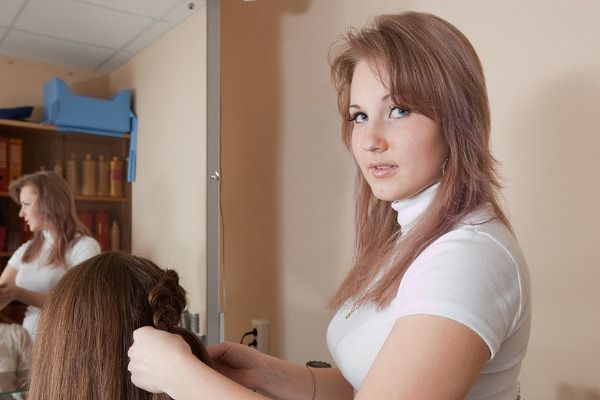 how to become a hair stylist