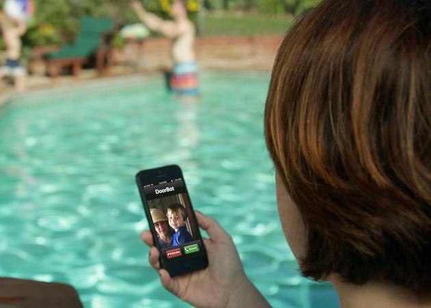 DoorBot-Wi-Fi-Doorbell-Camera-for-Smartphones-3