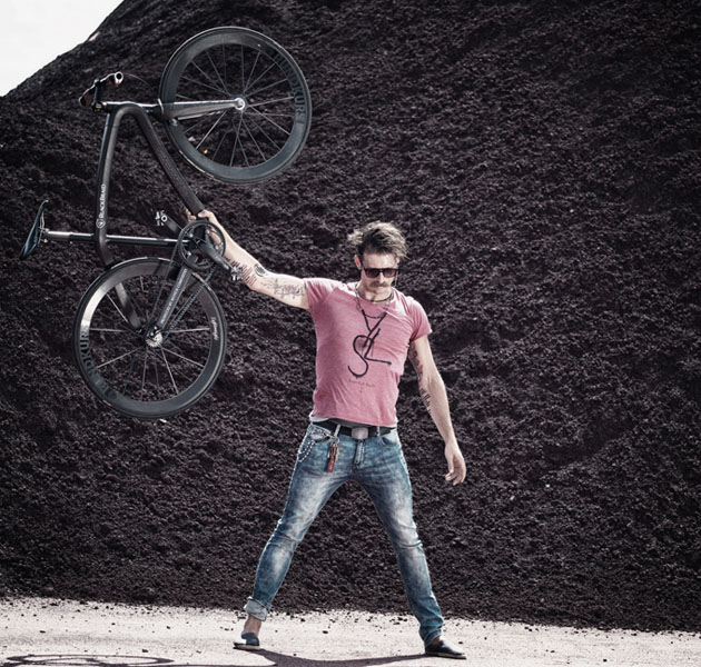 Ultra-Lightweight-Carbon-Fiber-Blackbraid-Bicycle-4
