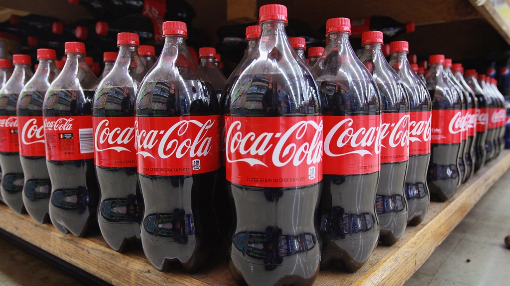 VIDEO Coca Cola add 374157a Woman Dies Due to Excessive Coca Cola Drinking