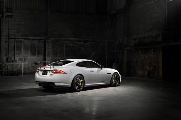 2014-Jaguar-XKR-S-GT-4