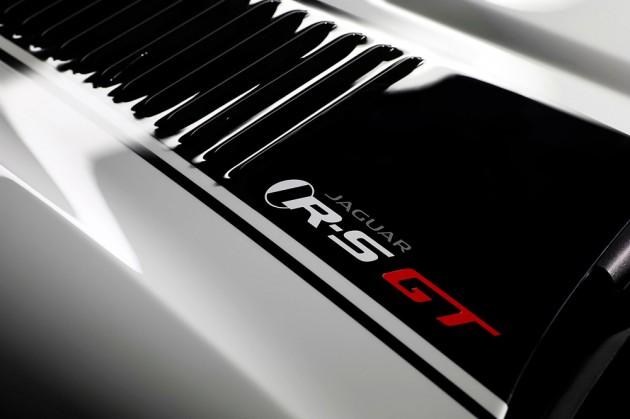 2014-Jaguar-XKR-S-GT-7